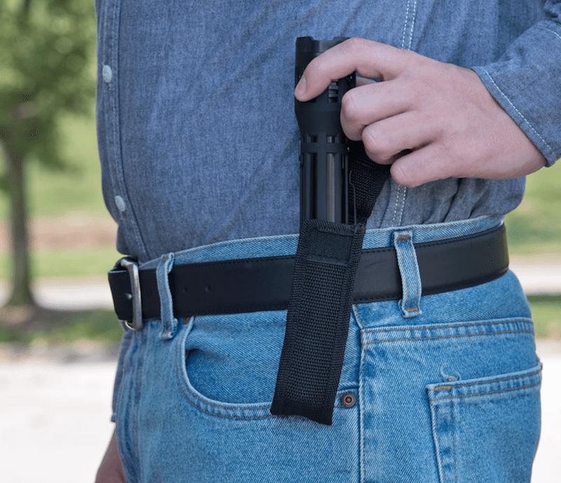 sabre stun gun flashlight review