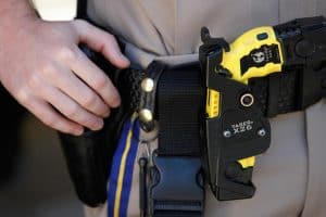 when can a police officer use a taser